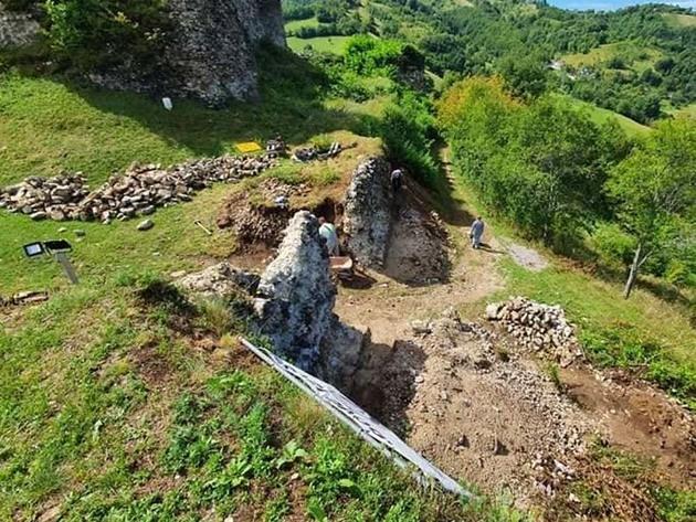 Za obnovu Starog grada Bužim dodatnih 20.000 KM