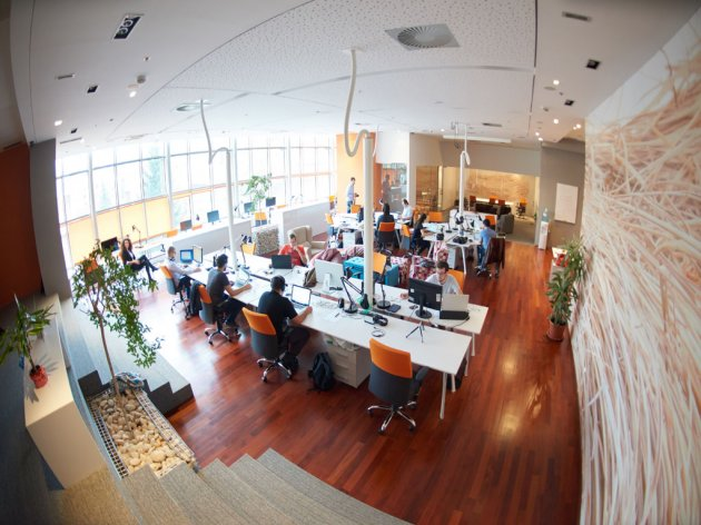 REBEC 2020: Younger people want to work from home, older ones prefer offices – What is the future of investing in office space?