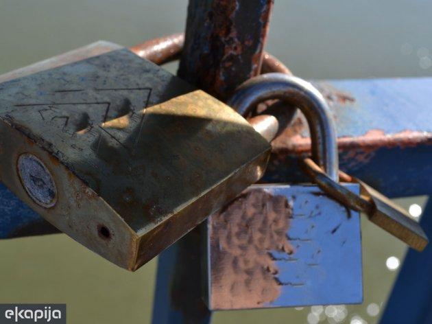 FBiH želi mijenjati postupak privatizacije - Lakša kupovina dijela imovine preduzeća