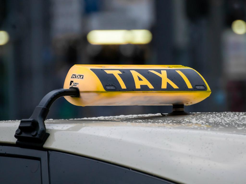 Saobraćajni fakultet organizuje javnu raspravu na temu taksi prevoza u Beogradu