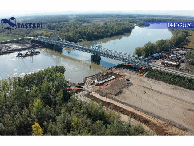 Construction of the bridge on the Sava