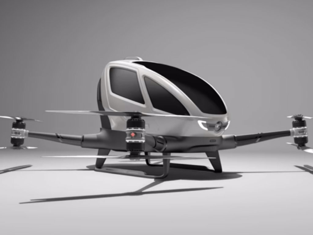 Kineski Ehang predstavio prvi bespilotni leteći taksi za dva putnika