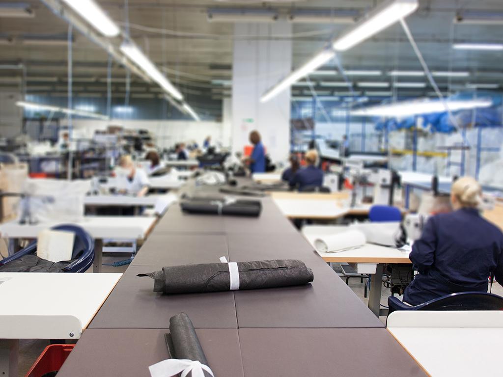 """Bude se """"singerice"""" na jugu Srbije - Tekstilna industrija beleži rast proizvodnje od 150%"""
