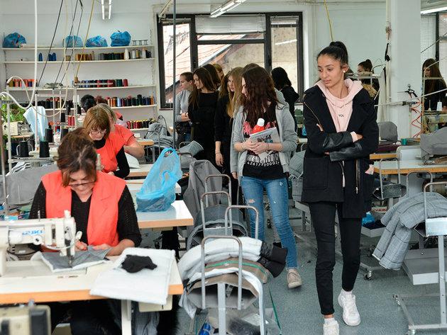 Učenici iz Novog Sada posetili kompaniju Tiffany Production