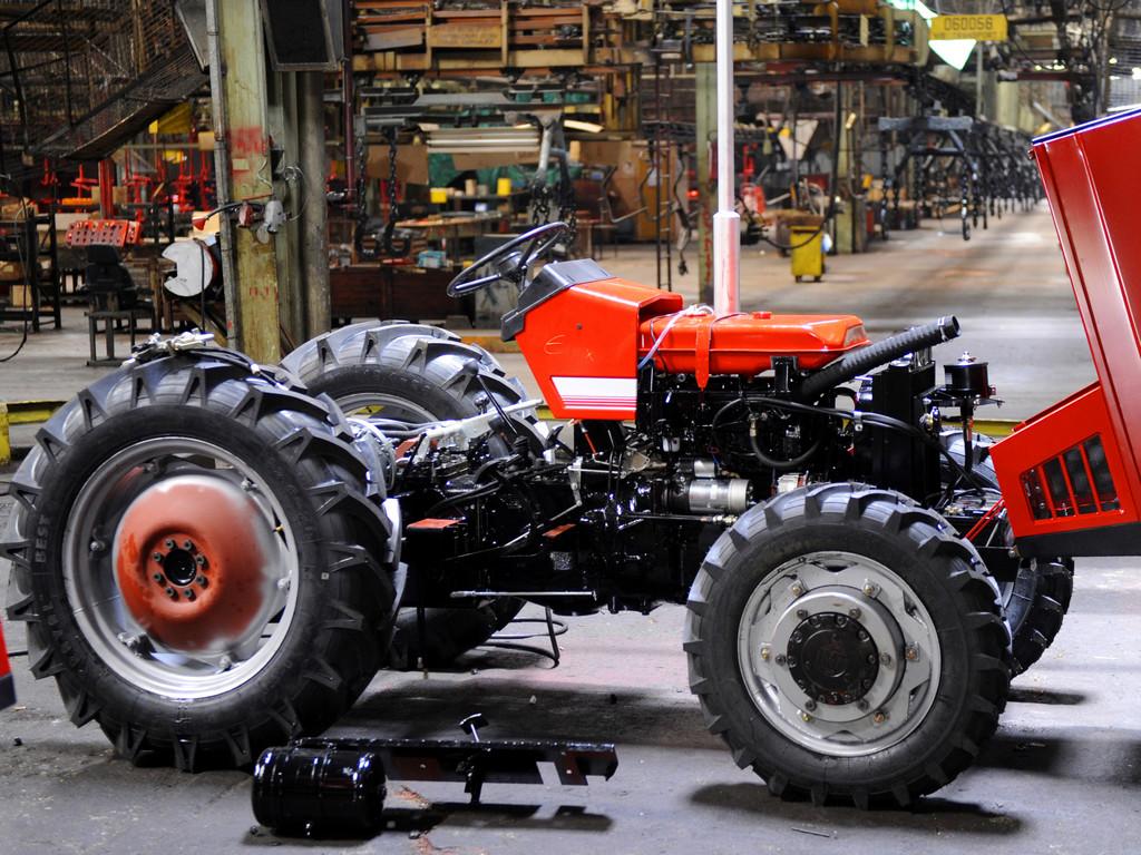 Za traktore IMR još ima nade? - Pogone pred prodaju obilaze Turci, Slovenci, Sudanci, ali i domaći kupci