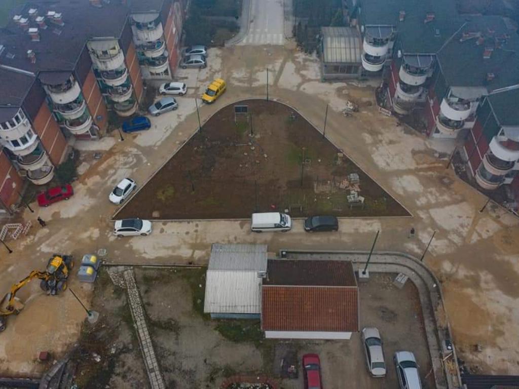 U toku popločavanje trga na Dobrinji - U planu nova parking mjesta i modernizacija rasvjete