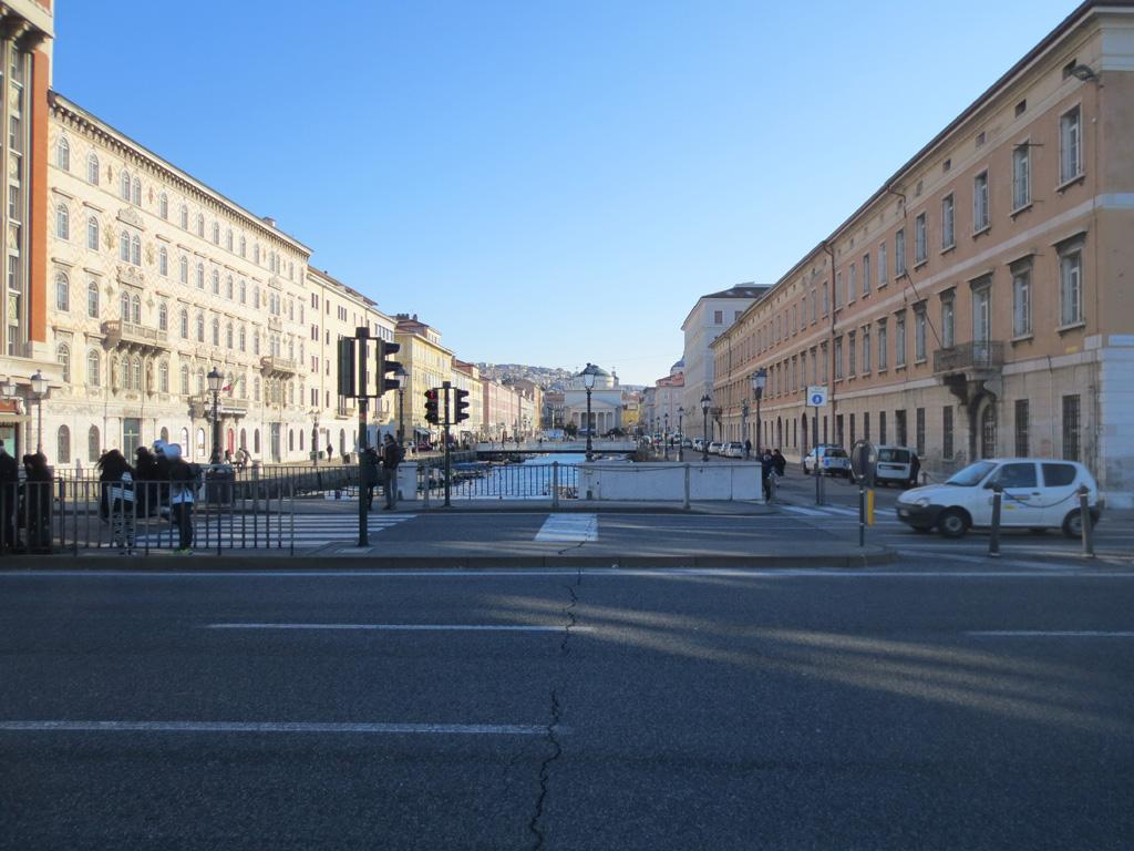 Kako je Trst postao šoping centar bivše Jugoslavije?