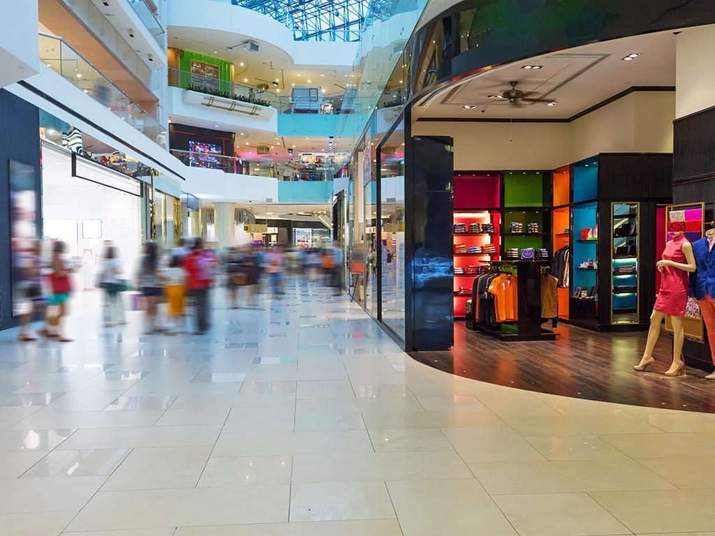 """Prvo """"guglaju"""" pa onda kupuju - Potrošači sve više istražuju na internetu prije kupovine i pazare u manjem broju radnji"""