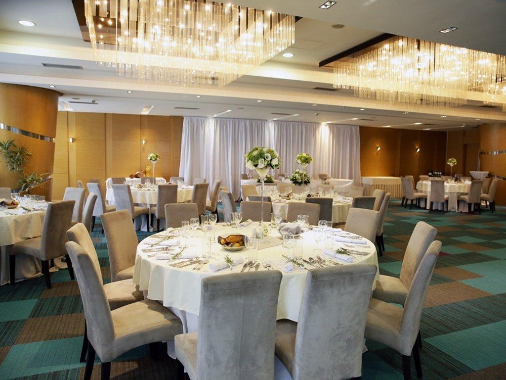 Hotel Tulip Inn Putnik Beograd sve poznatiji po korporativnim događajima - Renovirani restoran i bogatija ponuda privlače nove goste