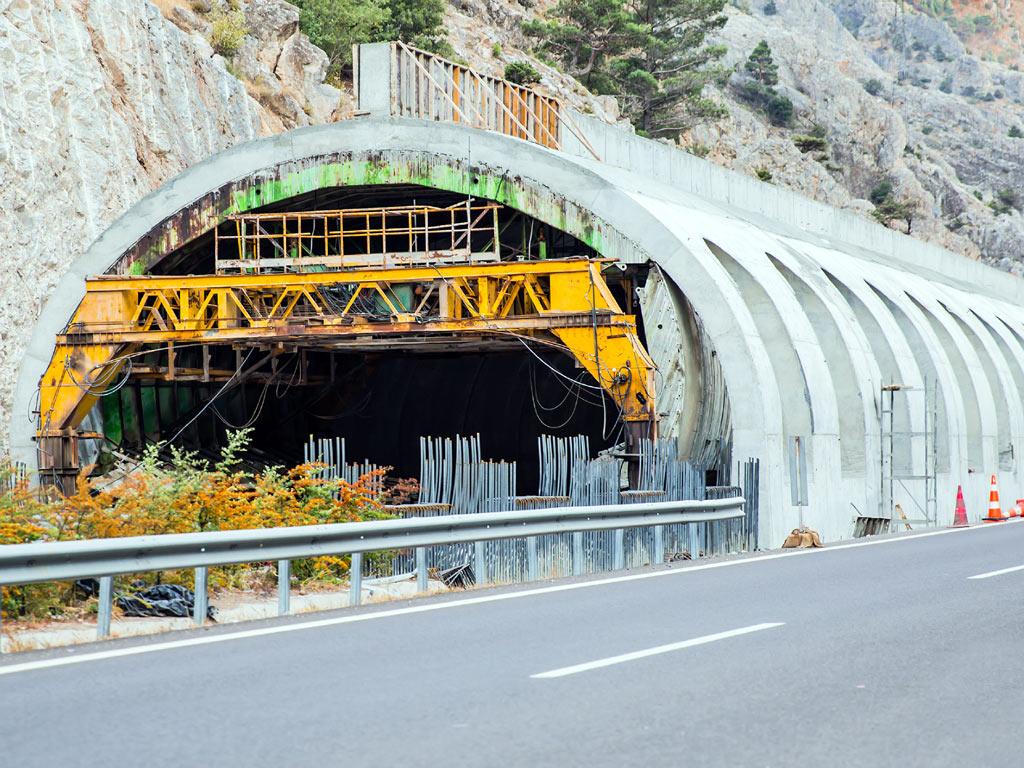 Probijanje tunela Jezerina biće završeno u aprilu - Kompletna izgradnja gotova do decembra, put od Kolašina do Berana biće skraćen za 40 minuta