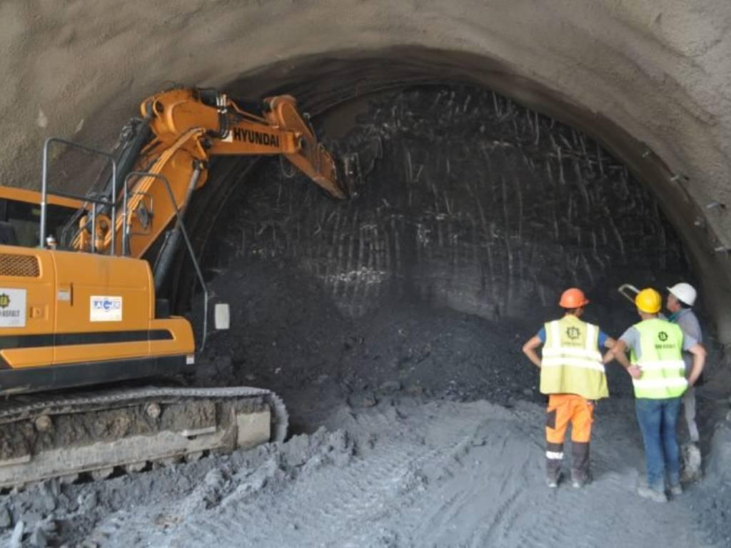 Počelo probijanje budućeg najdužeg cestovnog tunela u BiH - Ulazak i iskop glavne cijevi prije zime