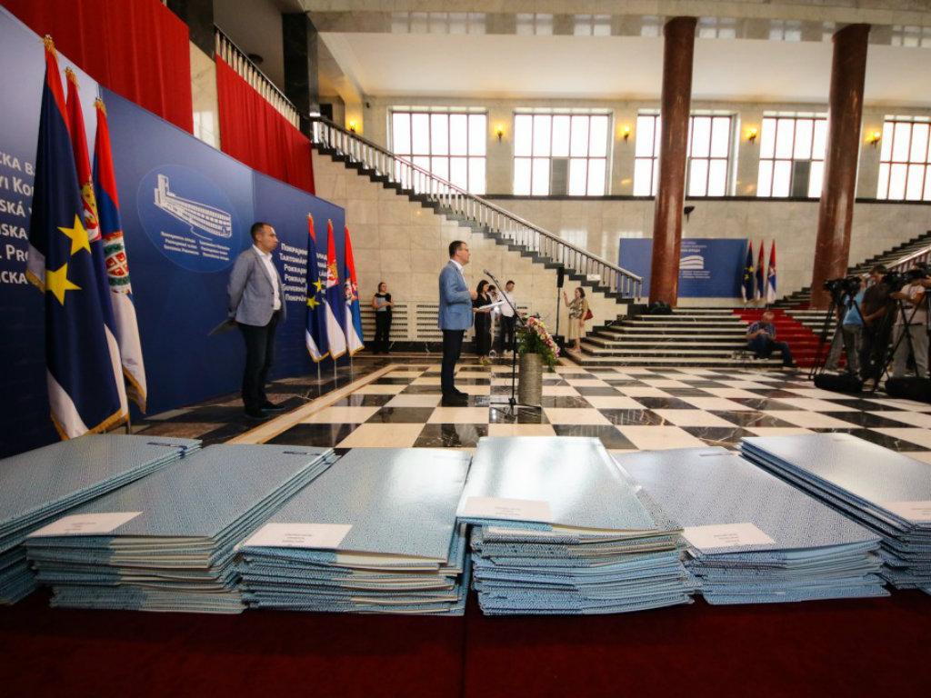 Pokrajinska vlada dodelila 142 ugovora poljoprivrednicima - Finansiranje opreme za preradu voća, povrća i cveća