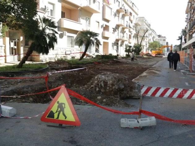 Za rekonstrukciju ulice Vuka Karadžića u Podgorici izdvojeno 850.000 EUR - Radovi idu po planu, u toku formiranje dvoreda kamfora