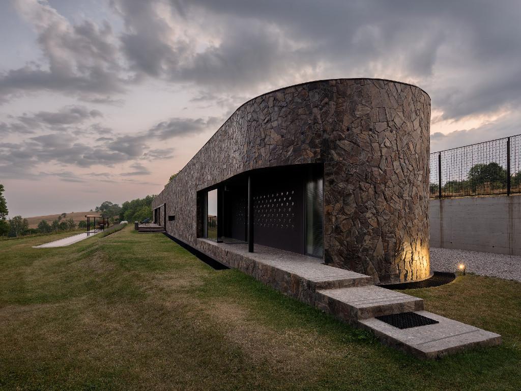 Vila Pavlović, zlatiborski monolit - Savremena arhitektura konačno na srpskoj planini (FOTO)
