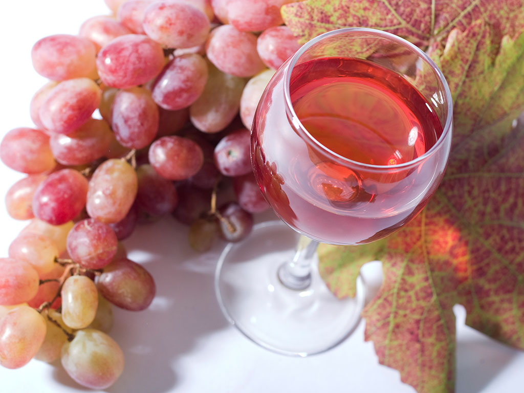Italijanske vlasti odobrile proizvodnju roze proseko vina