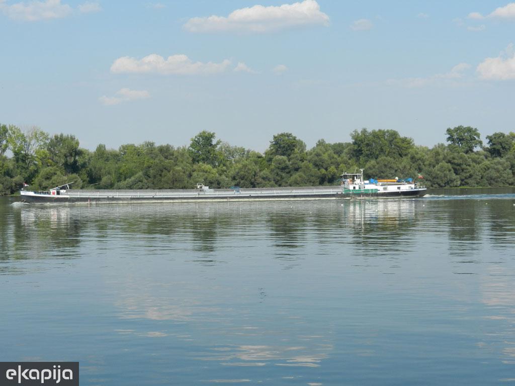 Slobodna zona Beograda i novi lučki terminal ubrzavaju razvoj privrede na levoj obali Dunava - U planu infrastrukturno opremanje i uređenje Pančevačkog rita