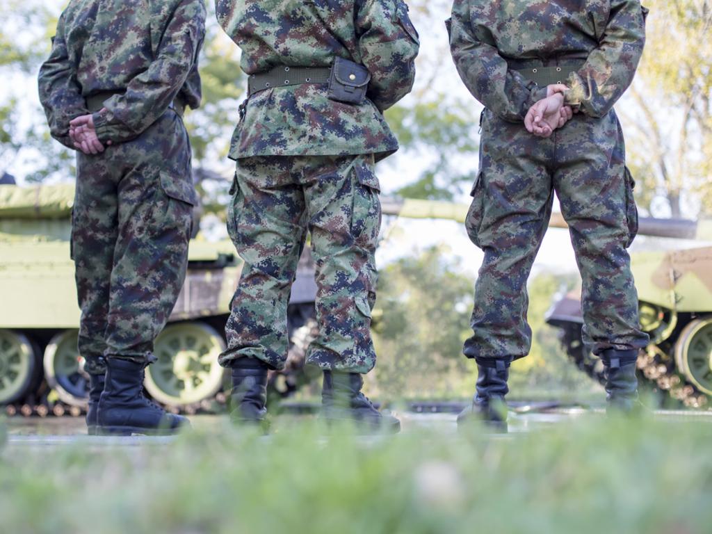 Potpisani ugovori sa domaćim fabrikama za nabavku opreme i naoružanja nove generacije za Vojsku Srbije