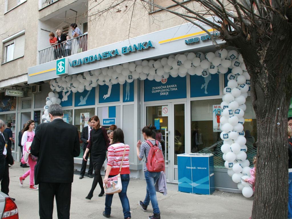 Grci žele da prodaju Vojvođansku banku? - Tri kupca već zainteresovana
