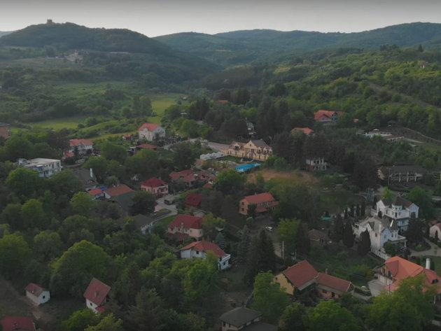 Počela izgradnja Staze zdravlja koja će povezati Banju Vrdnik sa Vrdničkom kulom - Gradiće se i gondola