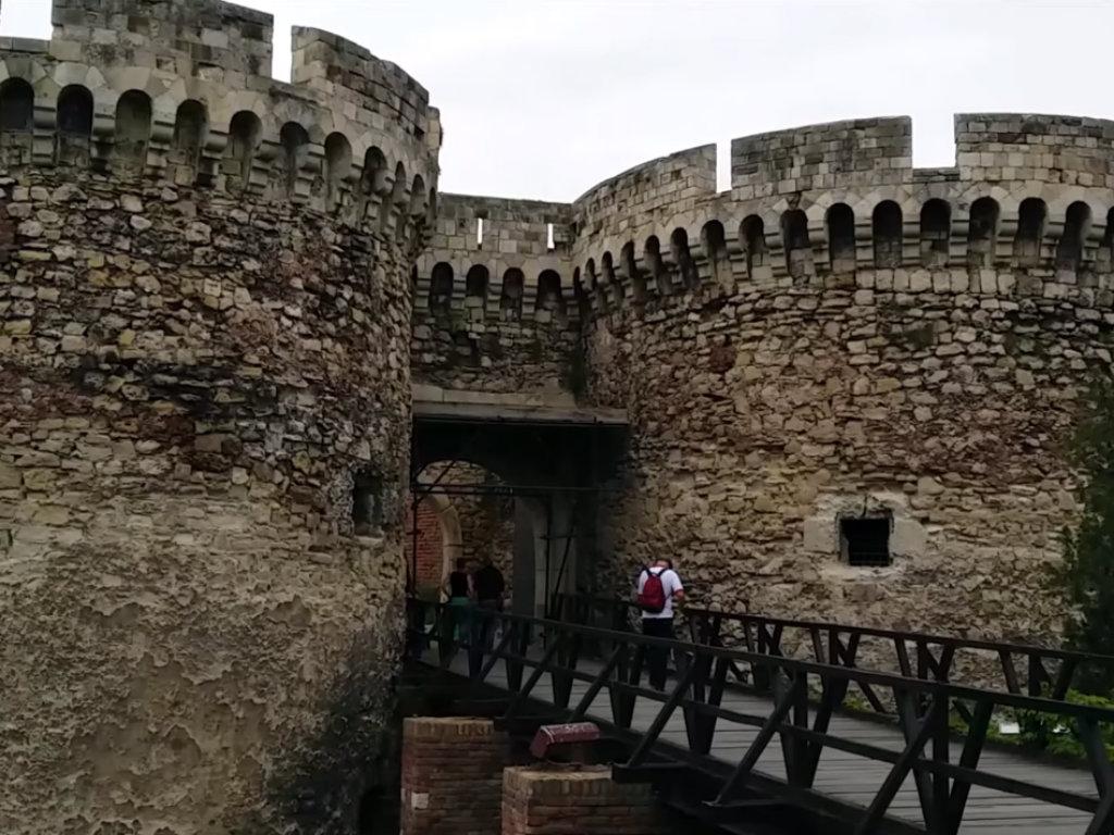 Nastavlja se uređenje Beogradske tvrđave - Rekonstrukcija 28 staza i tri platoa