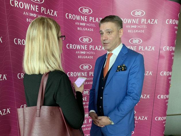 Zivorad Vasic beim Gespräch mit der Reporterin von eKapija