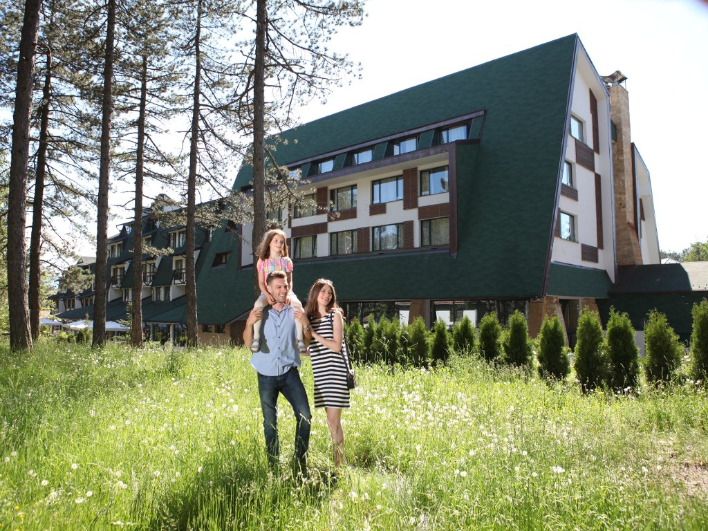 Uživanje u prirodi i gastronomiji - Letnji odmor na Zlatiboru kao dobar izbor za ljubitelje planinskog turizma