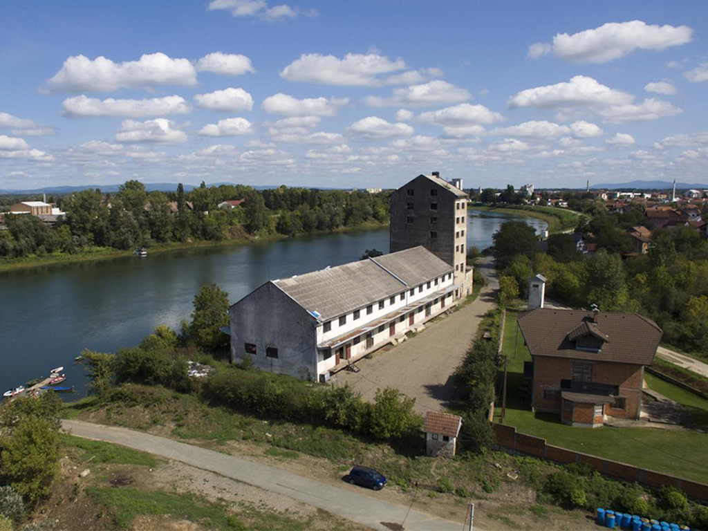 U ponudi najam ili kupovina objekta ZZ Gradiška - Blizina Save pogodna za ugostiteljstvo i turizam (FOTO)